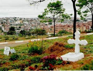 Coroas de Flores Cemitério Municipal da Paz - Poá - SP