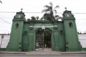 Coroas de Flores Cemitério de Paquetá