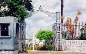 Coroas de Flores Cemitério do Gavião