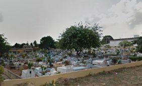Coroas de Flores Cemitério Público de Igapó
