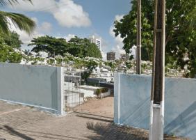 Coroas de Flores Cemitério Público de Ponta Negra