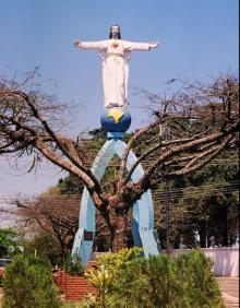 Coroas de Flores Cemitério Cristo Rei Apucarana – Paraná.