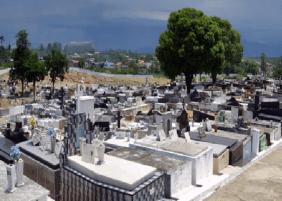 Coroas de Flores Cemitério de Santa Cruz