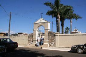 Coroas de Flores Cemitério Municipal Guarapuava – PR