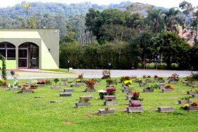 Coroas de Flores Cemitério Parque Jardim Das Flores Joinville – SC
