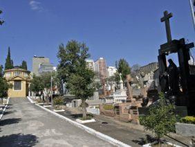 Coroa de Flores Cemitério Municipal de Aparecida D'Oeste – SP