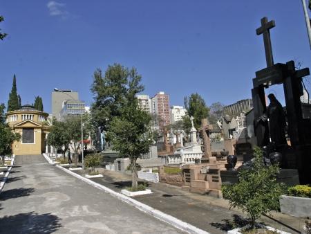 Coroa de Flores Cemitério Municipal de Fernão – SP