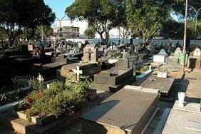 Coroa de Flores Cemitério Municipal Governador Jorge Teixeira – RO