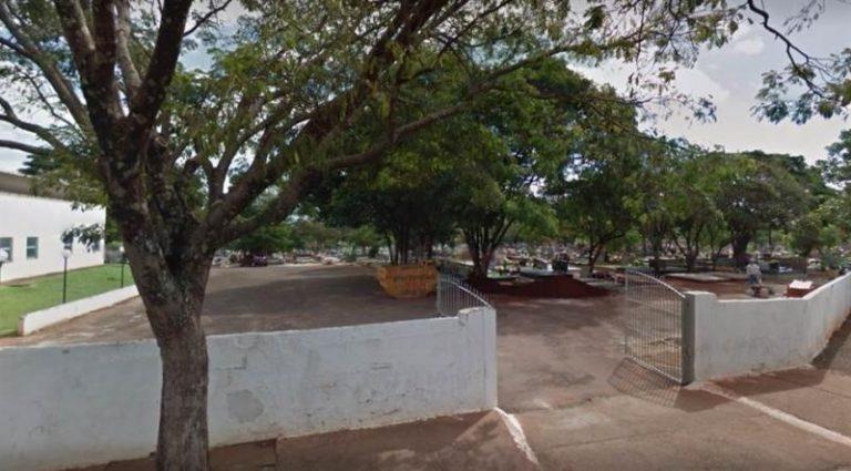Coroa de Flores Cemitério Municipal de Atalaia do Norte - AM