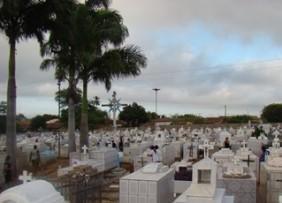 Coroa de Flores Cemitério de Pedrinhas – PE