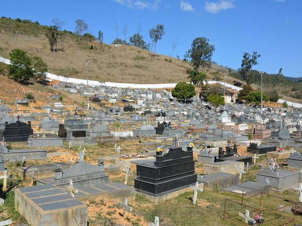 Coroa de Flores Cemitério Municipal de Bonfim - RR