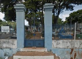 Coroa de Flores Cemitério Municipal de Terra Santa - PA