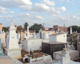 Coroa de Flores Cemitério Municipal de Acarape – CE