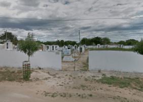 Coroa de Flores Cemitério Municipal Barreira- CE