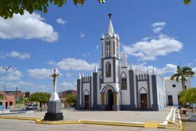 Coroa de Flores Cemitério Municipal  Ipueiras – CE