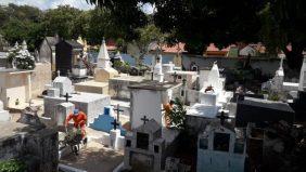 Coroa de Flores Cemitério Municipal Missão Velha – CE