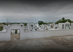 Coroa de Flores Cemitério Municipal Uruoca – CE