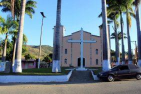 Coroa de Flores Cemitério Municipal Acaiaca – MG