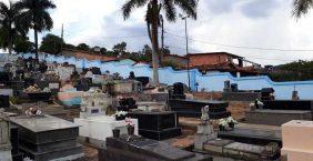 Coroa de Flores Cemitério Municipal Açucena – MG