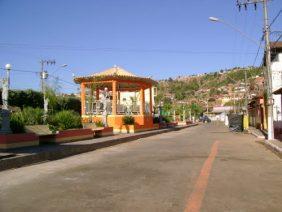 Coroa de Flores Cemitério Municipal Água Boa – MG