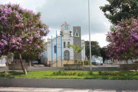 Coroa de Flores Cemitério Municipal Aguanil – MG