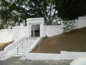 Coroa de Flores Cemitério do Tremembé – SP