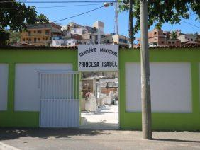 Coroa de Flores Cemitério Municipal Princesa Isabel – RJ