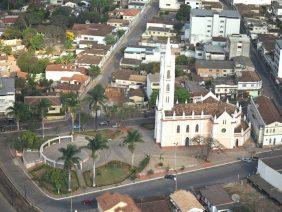 Coroa de Flores Cemitério de Córrego da Prata – RJ