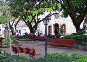 Coroa de Flores Cemitério Municipal de Duas Barras – RJ
