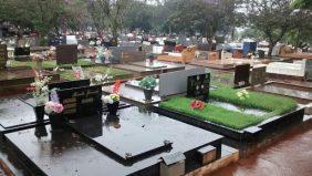 Coroa de Flores Cemitério Municipal de São Judas Thadeu – RJ