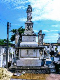 Coroa de Flores Cemitério Municipal São Francisco Xavier – RJ