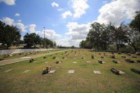 Coroa de Flores Cemitério Memorial de Macaé -RJ