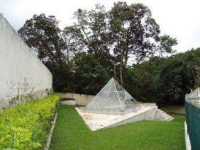Coroa de Flores Cemitério Municipal de Santa Maria Madalena -RJ