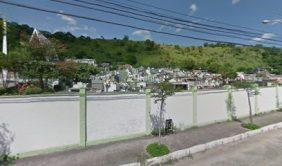 Coroa de Flores Cemitério Municipal de Santo Antonio de Pádua – RJ