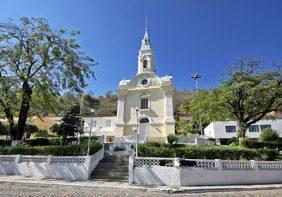 Coroa de Flores Cemitério Municipal de Sapucaia – RJ