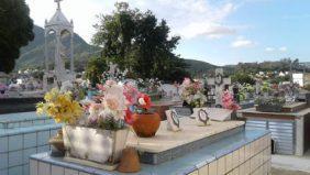 Coroa de Flores Cemitério Municipal Riachuelo de Valença – RJ