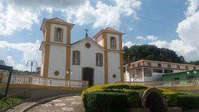 Coroa de Flores Cemitério Municipal de Alfredo Vasconcelos – MG
