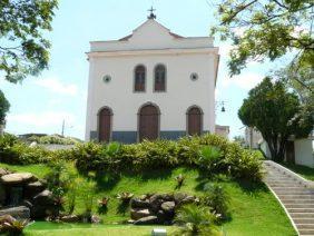 Coroa de Flores Cemitério Municipal de Argirita- MG