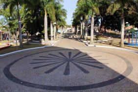 Coroa de Flores Cemitério Municipal de Coqueiral – MG