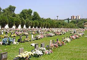 Coroa de Flores Cemitério Municipal. de Santa Clara D'Oeste – SP
