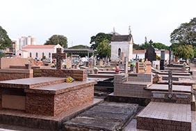 Coroa de Flores Cemitério Municipal Santa Rosa de Viterbo – SP